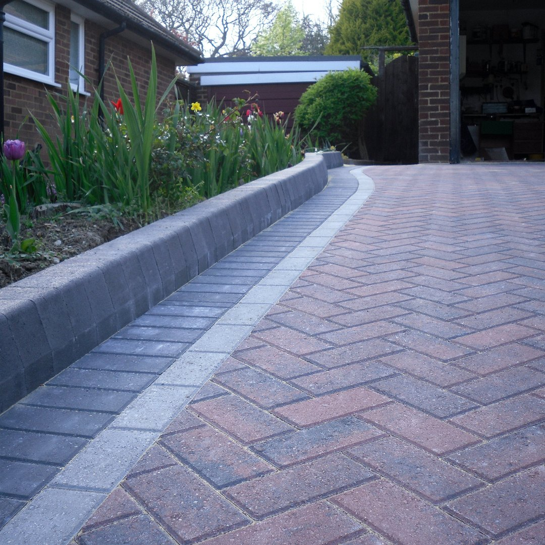Block-Paving-Edging.jpg